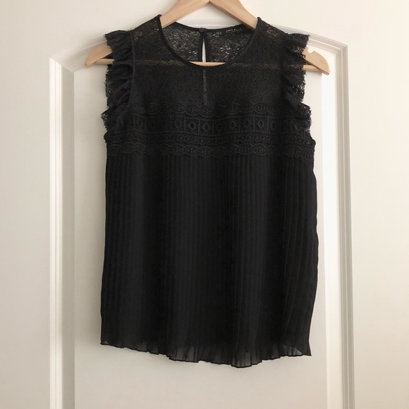 1a8388f2 ZARA Black Lace Sleeveless Top with Pleated Detail.  M_5b2fd791baebf6d8a1744e49